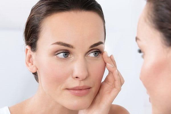 Symptoms Causes And Treatments For Eczema On Eyelids Atopic Skin